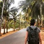 @instagram: Гоа, Индия. Бывшая колония Португалии, что хорошо заметно, гуляя по улицам деревень и городов. 2,5 недели назад мы вернулись из райского места на Земле, где курс с деревянным рублем 1 к 1, а часовой пояс отличается не как обычно на час, два, а на 2,5. Сто