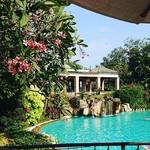 @instagram: #theleelagoa #amazinghotels #mobor #cavelossim #goa #india #workinginthesun #thegoaexperience #swimmingpool #beautifulview #serenity #travel #wanderlust