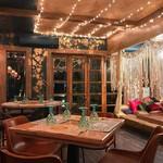@instagram: #ambience #restaurant #OldBombay #arpora #baga #calangute #goa #shotOniPhone @oldbombay.bar