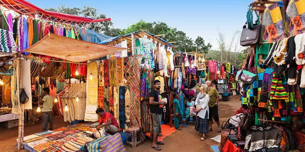 Блошинный рынок по средам в Анджуне