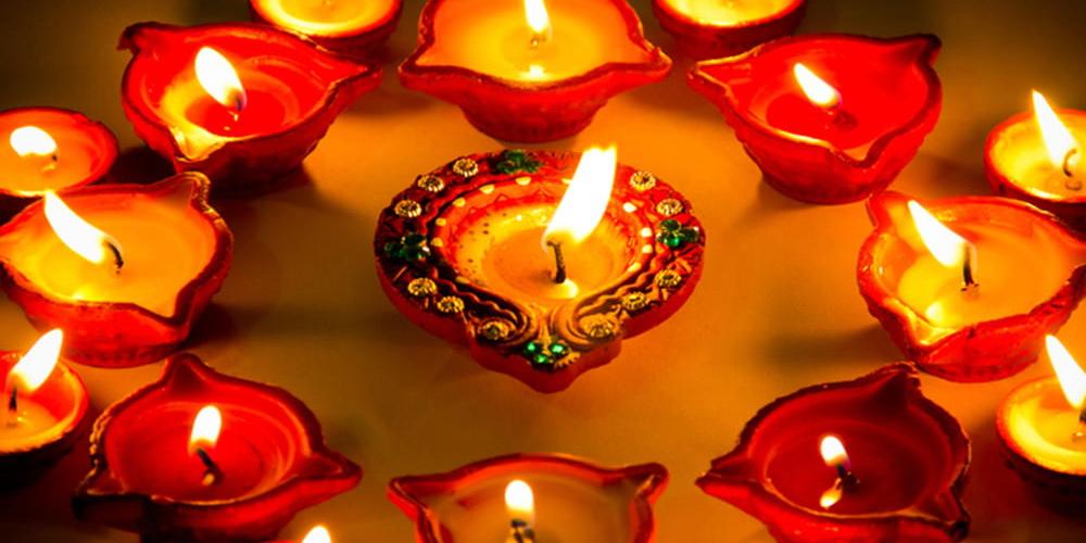 Глиняные лампадки диия для праздника Дивали